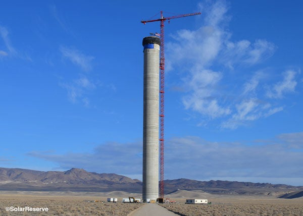 Crescent Dunes plant solar tower